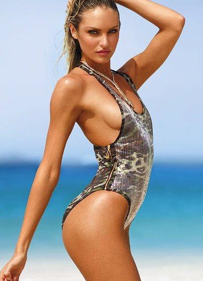 Фото в прозрачных купальниках на обычном пляже, залез под колготки и трахнул