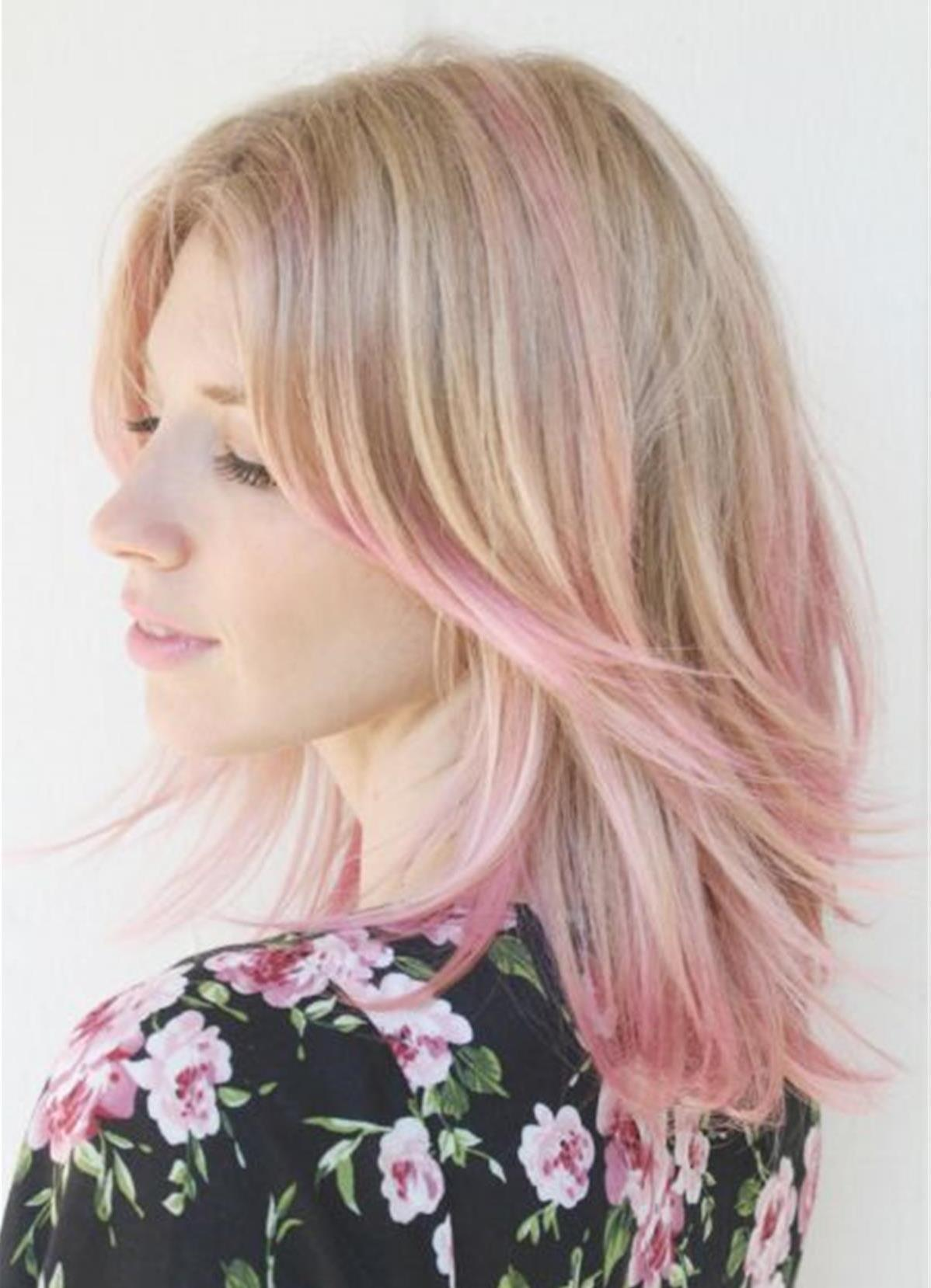 розовые пряди на светлых волосах фото
