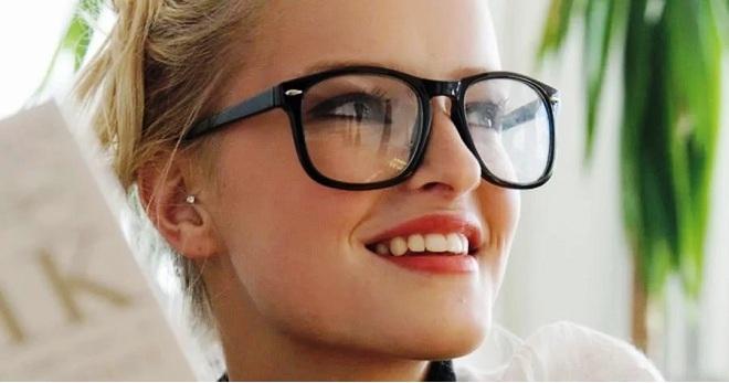 Как подобрать очки по форме лица – правильные оправы по типу лица 5d2d823b126b4