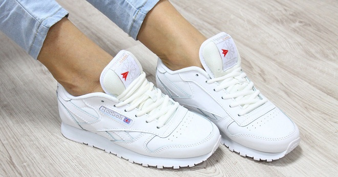 Модные женские белые кроссовки – Найк, Адидас, Рибок, высокие ... 7f1ce018fd7