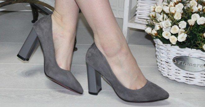 Модные женские серые туфли – замшевые, лаковые, лодочки, закрытые ... fcbeefcdc42