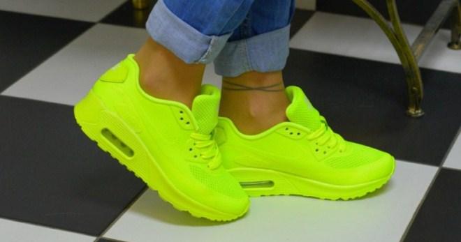 Модные женские яркие кроссовки – блестящие, цветные, кислотные