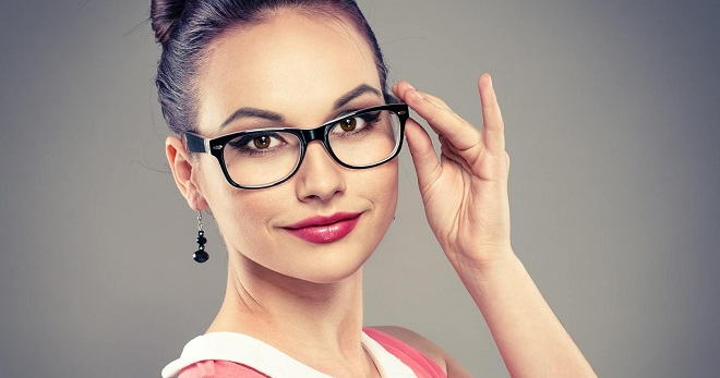 Модные очки 2018 – какие формы оправы и цвета линз будут в моде в этом году?