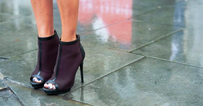 Ботильоны с открытым носом – лучшая обувь для деловых и повседневных образов