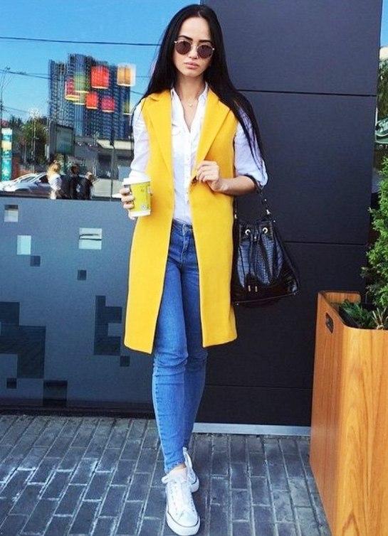 Желтый удлиненный пиджак с чем носить фото