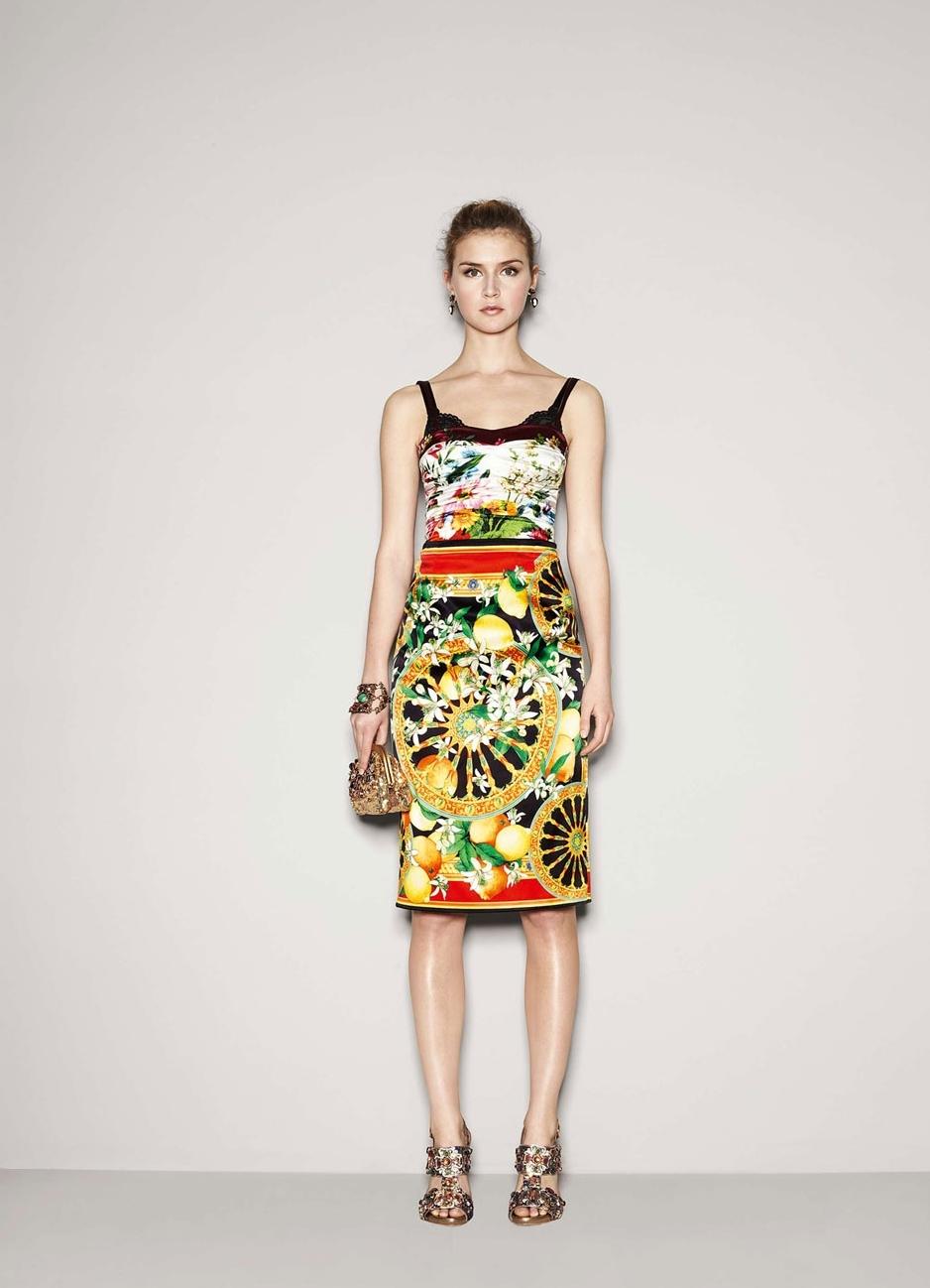 Смотреть Платье с лимонами Дольче Габбана видео