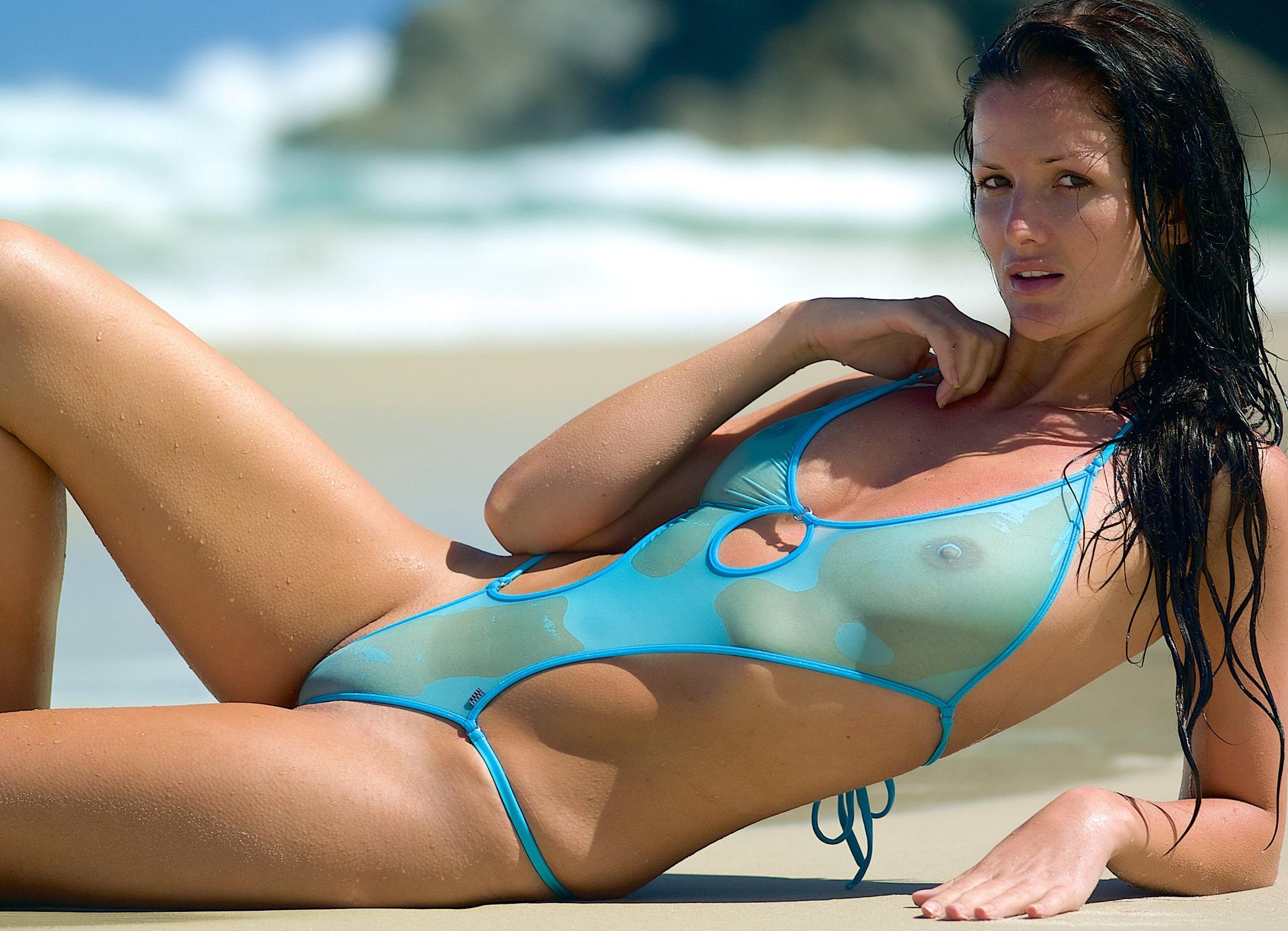 фото моделей в эро купальниках материалы, которые