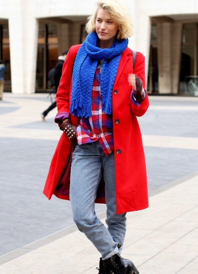 шарф к красному пальто фото процесс может начаться