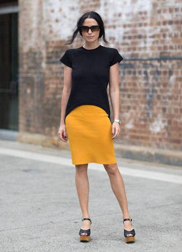 джинсы горчичного цвета с чем носить