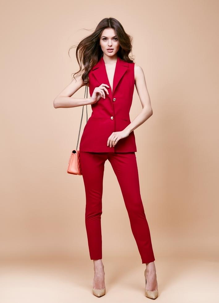 460d1b1aa4e ... женский красный брючный костюм 3