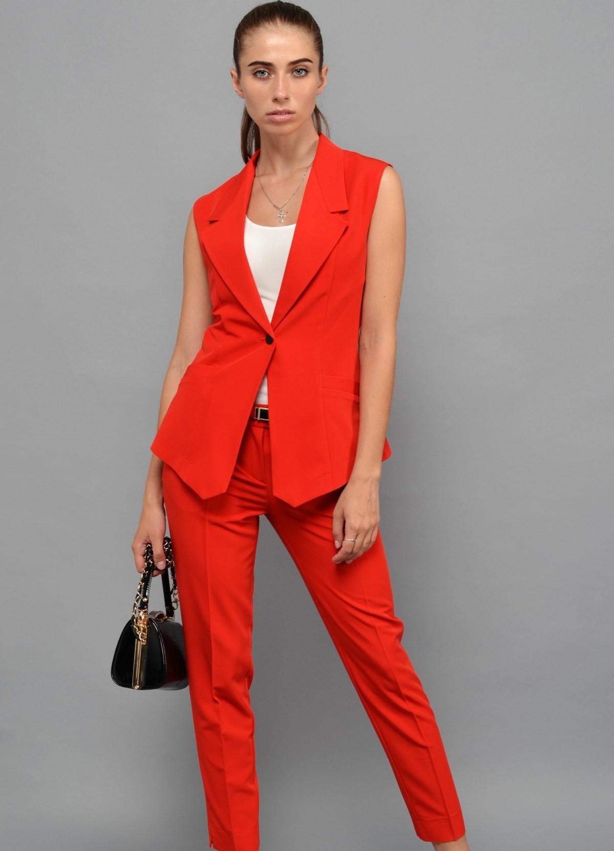 842704bffa7 женский красный костюм 1