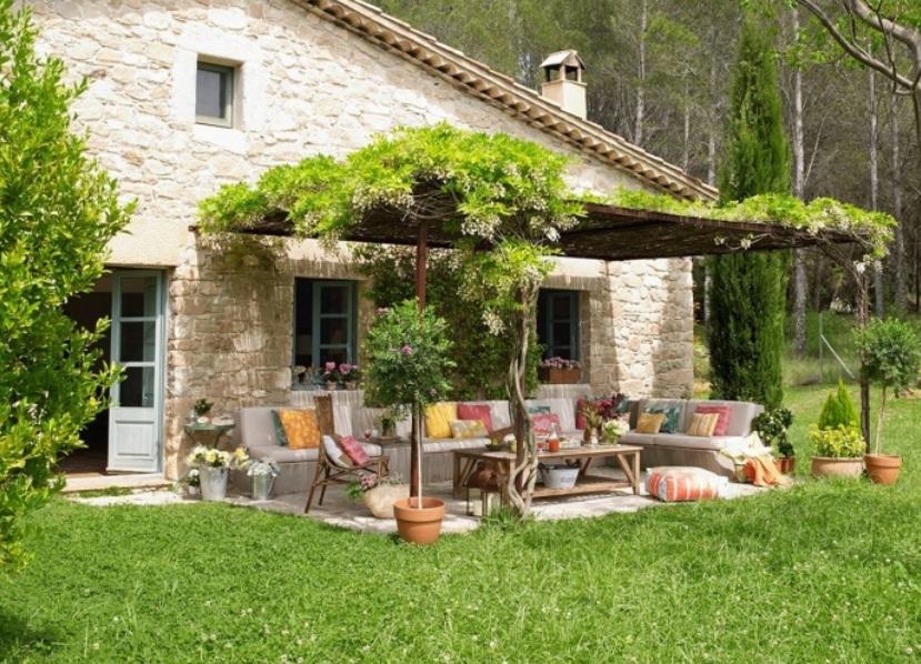 Как своими руками украсить двор частного дома