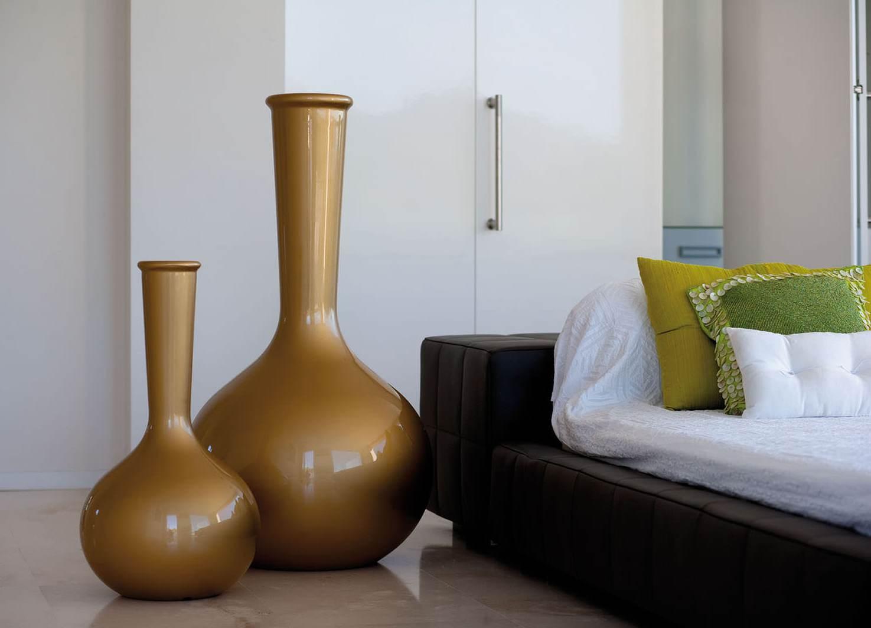 Напольные декоративные вазы в интерьере