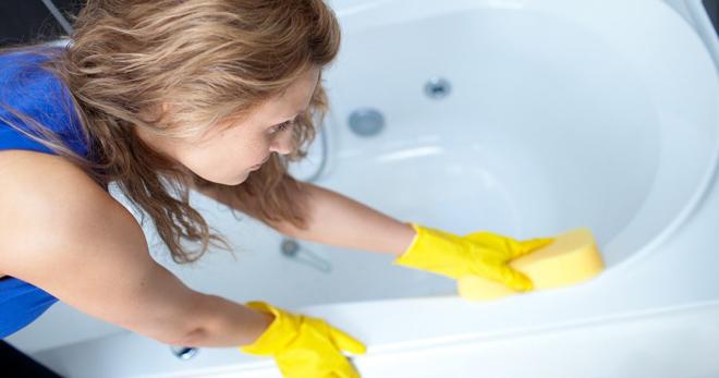 Можно ли мыть акриловую ванну доместосом