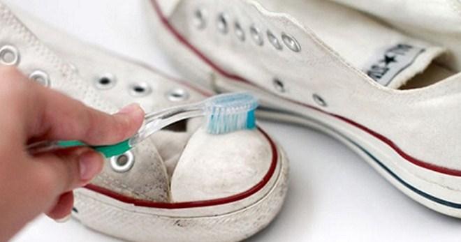 9e1ecf62a Как стирать кеды в домашних условиях - простые советы по уходу за спортивной  обувью
