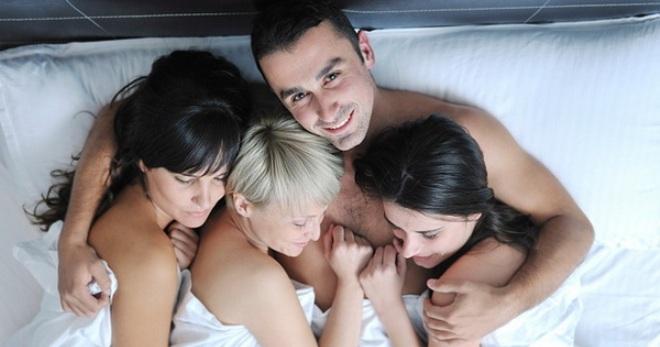 Девушки впадают в порнографическую зависимость