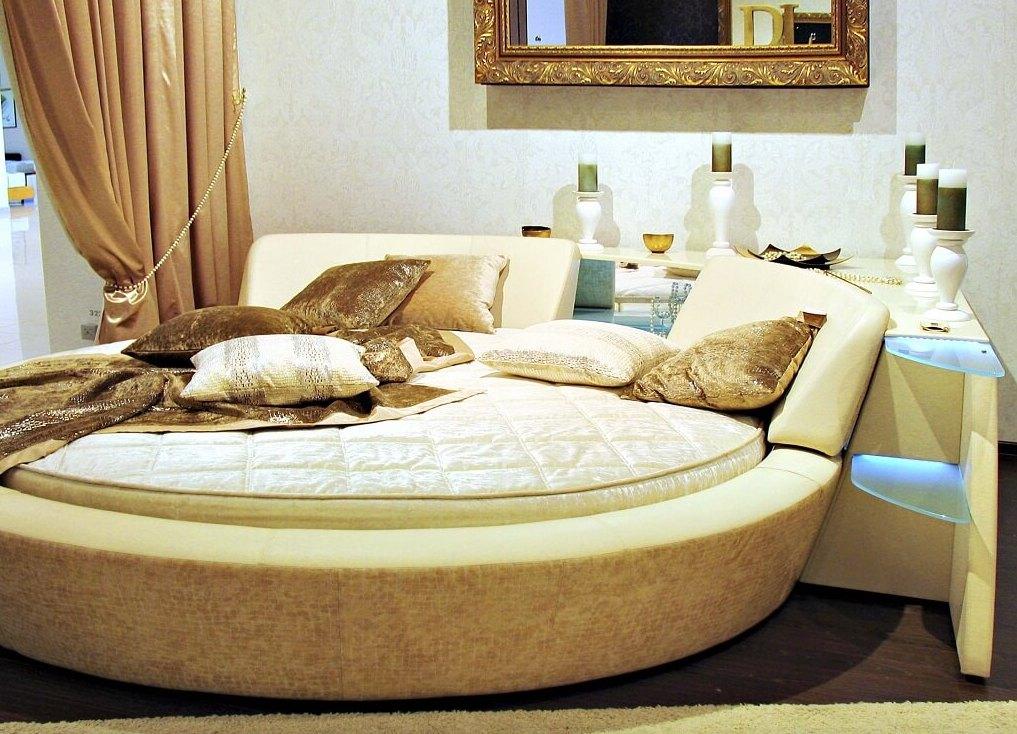 Огромные кровати фото