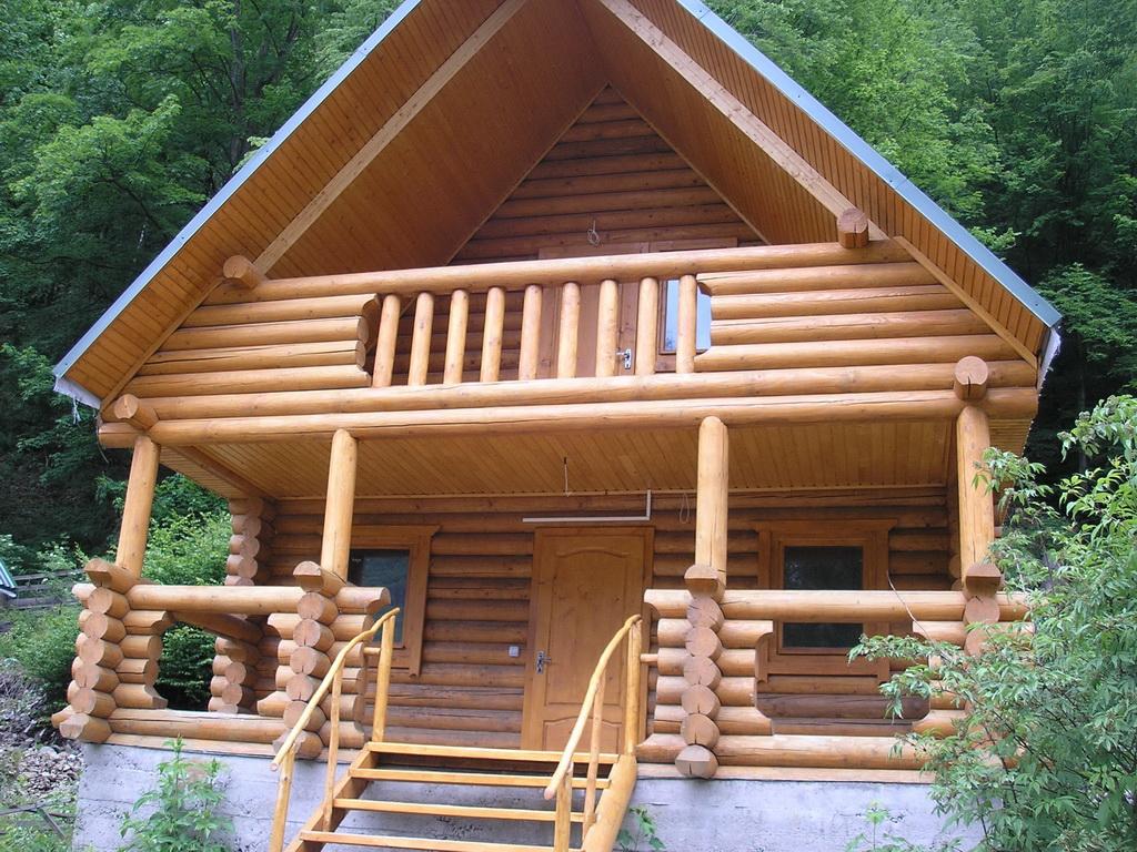 балкон деревянного дома