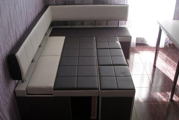 угловой диван со спальным местом на кухню фото