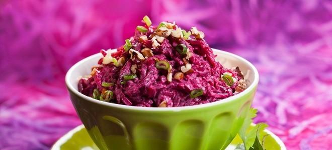 Красная свекла салат с чесноком польза