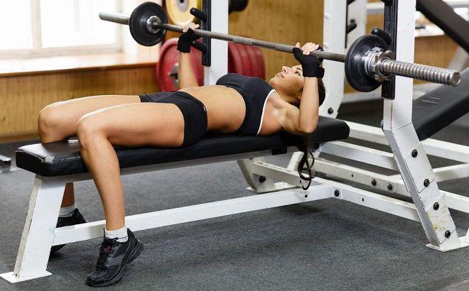 female powerlifting