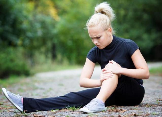 Что помогает от боли в суставах ног