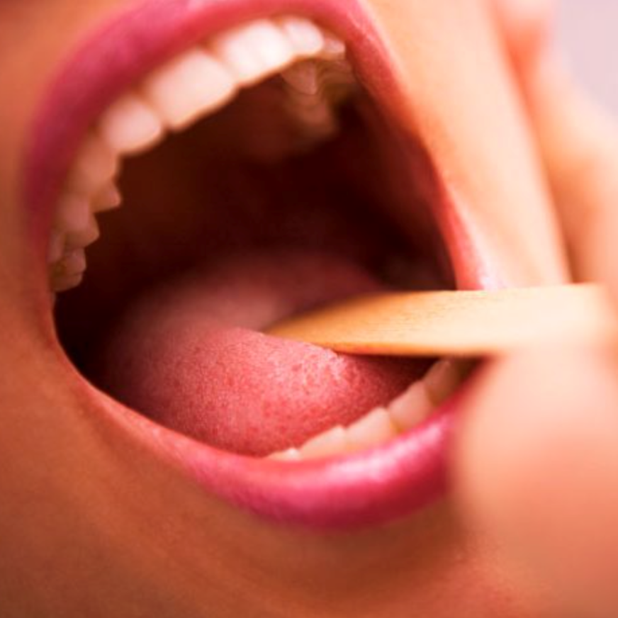 боли неприятный запах изо рта