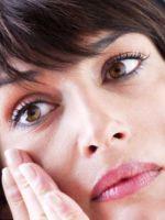 Как же убрать темные круги вокруг глаз в домашних условиях быстро