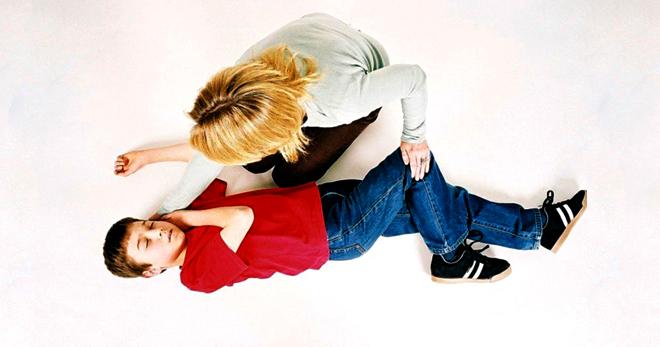 Судороги при температуре у ребенка что это такое как выглядят и что делать при фебрильных конвульсиях