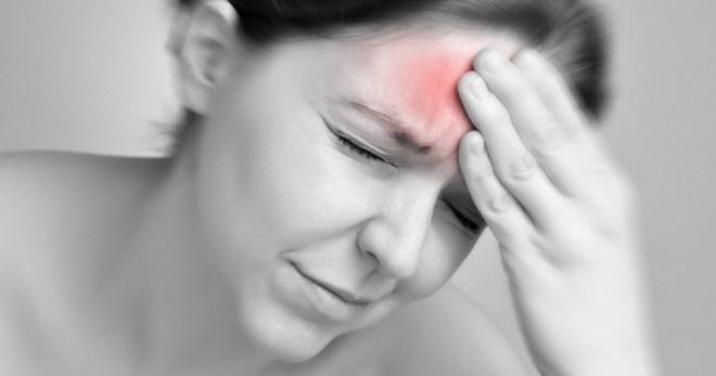 Головная боль в области лба и глаз – причины, препараты, народные ...