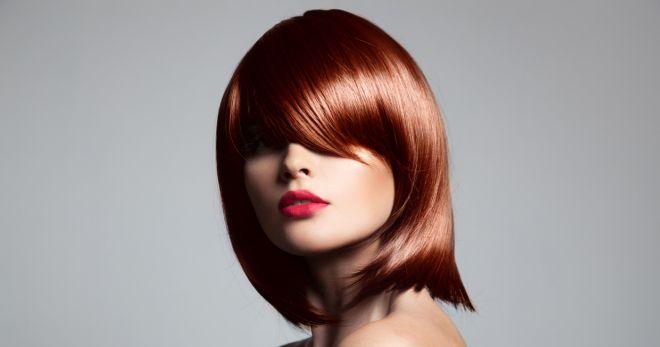 Прически на средние волосы – 52 стильных варианта для прямых и вьющихся прядей
