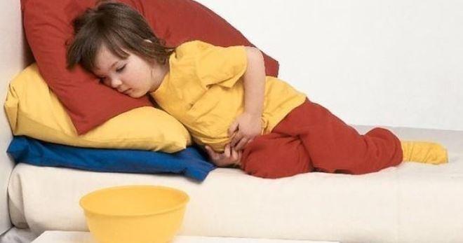 Рвота и понос у ребенка: что это может быть, что делать и как лечить{q}