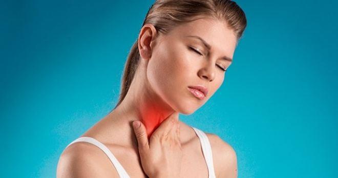 Рак горла у женщин: первые симптомы и лечение начальной стадии
