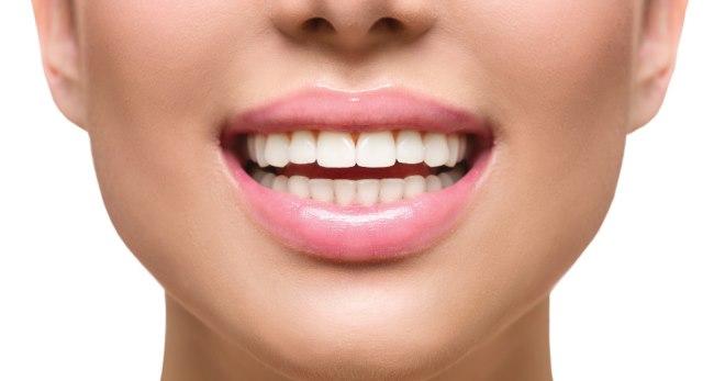 Как выглядит или определить какой считается должен быть правильный и неправильный прикус зубов у человека сбоку что это такое фото нет