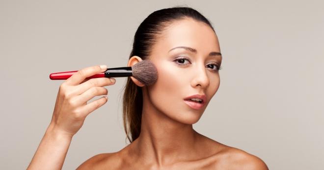 تمييز الوجه - كيفية اختيار وتطبيق المنتج بشكل صحيح؟