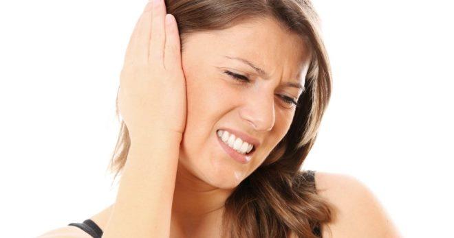 Можно ли греть ухо при отите, когда оно болит? Как греть ухо синей лампой? Виды отита
