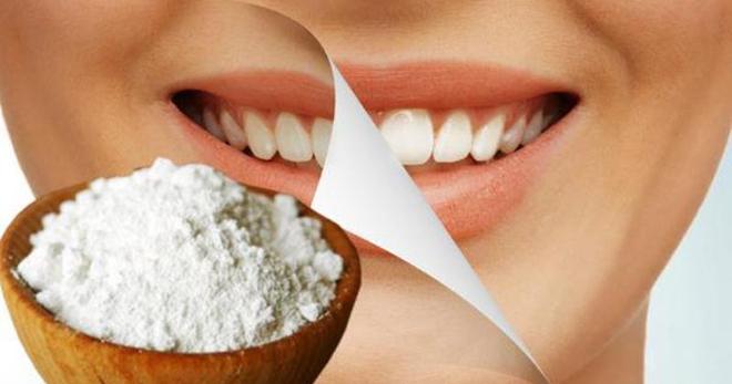 Можно ли чистить зубы содой? Как правильно чистить зубы содой? Как отбелить зубы содой?
