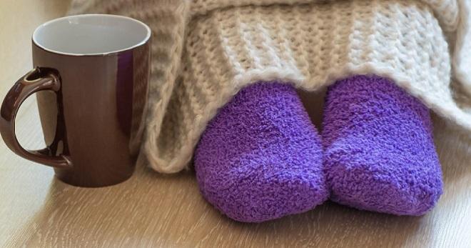 Мерзнут ноги от колена до ступни что делать при ощущении холода в ногах