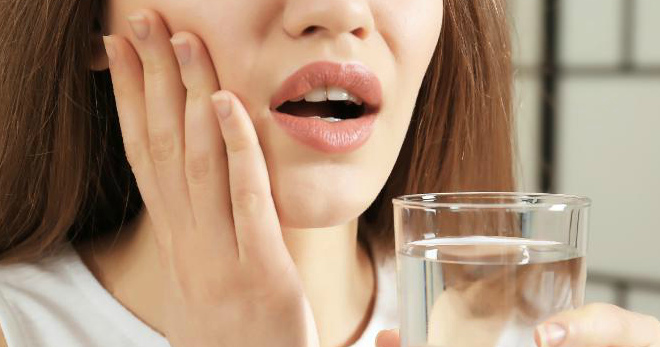 Чем полоскать рот при зубной боли, как выбрать средство в зависимости от причины?