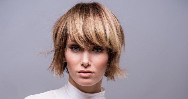 Рваное каре с челкой и без – как выглядит стрижка на волосах разной длины?