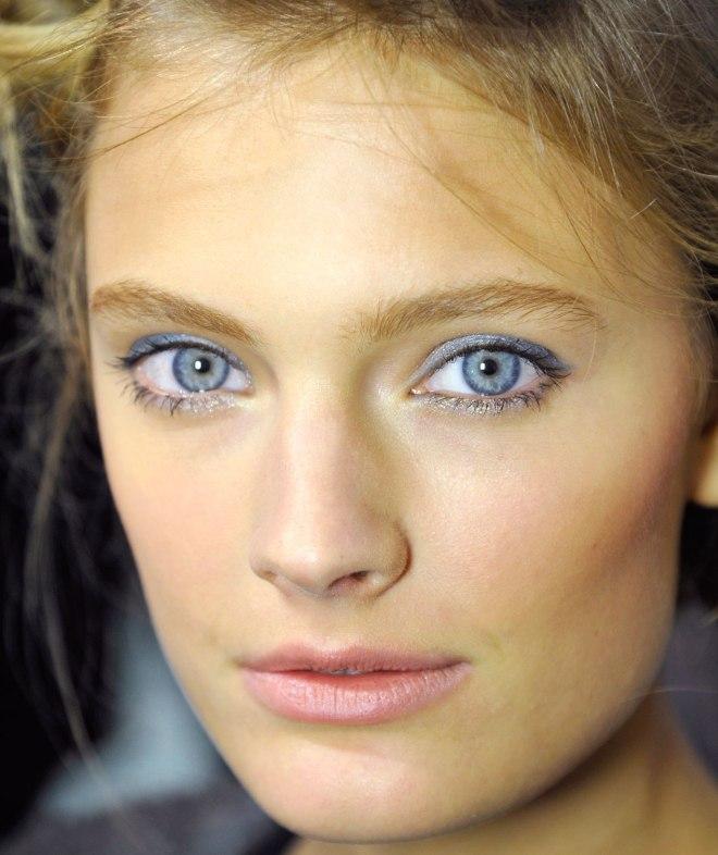 фото картинки макияж для серых глаз и русых волос фото них это значения