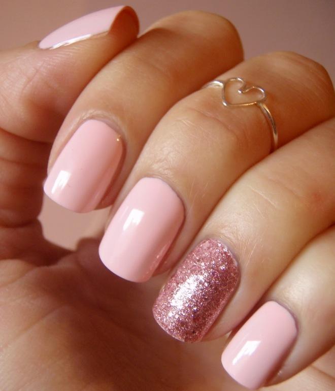 monofonisk manicure på kort negle gel lak 2
