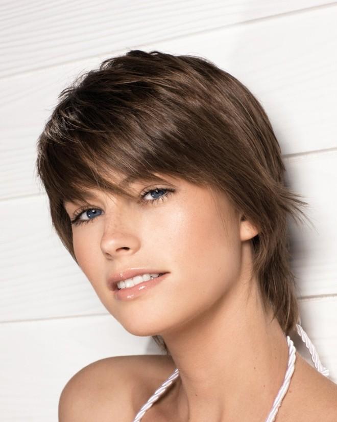 Прически на короткие волосы с челкой 1