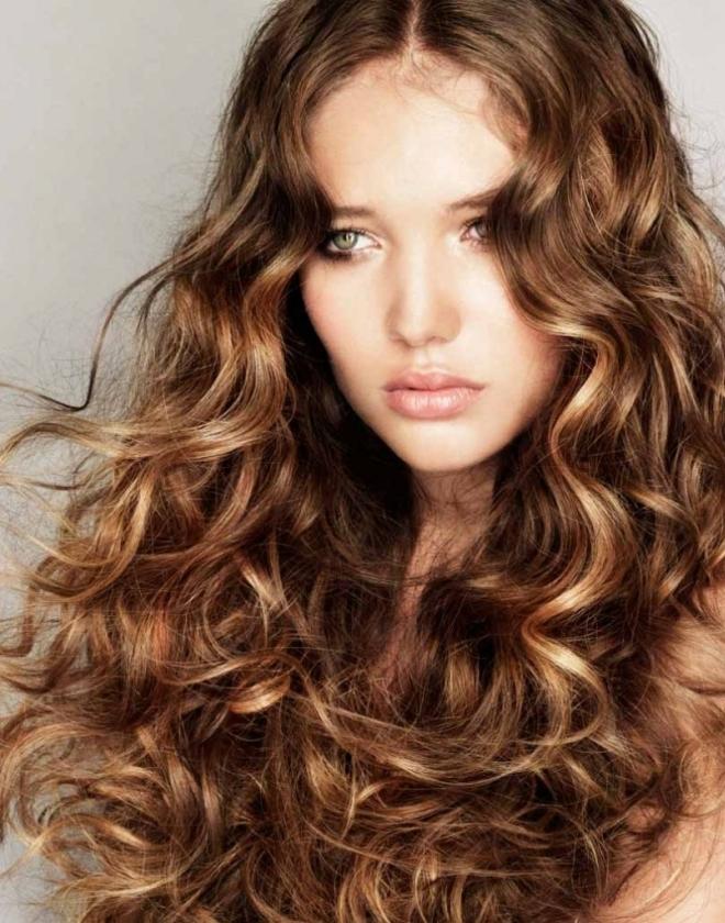 стрижки на длинные вьющиеся волосы 1