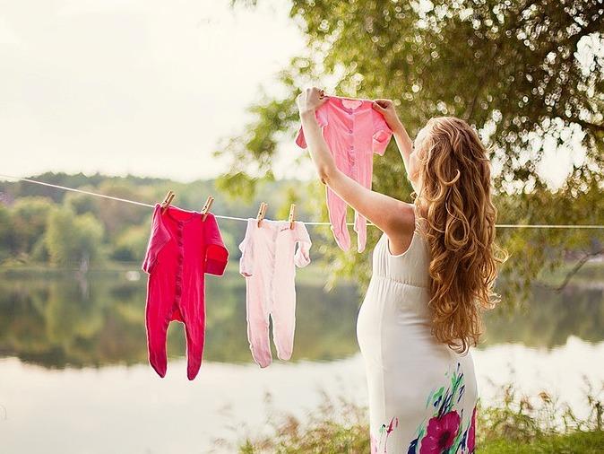 Почему нельзя поднимать руки вверх при беременности? С какого срока не стоит поднимать руки выше головы при беременности?
