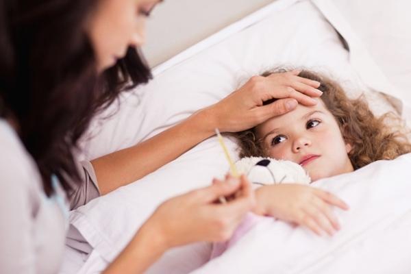Обтирание уксусом при температуре у ребенка