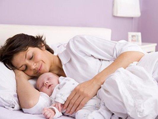 Сколько дней лежат в роддоме после родов, после кесарева сечения