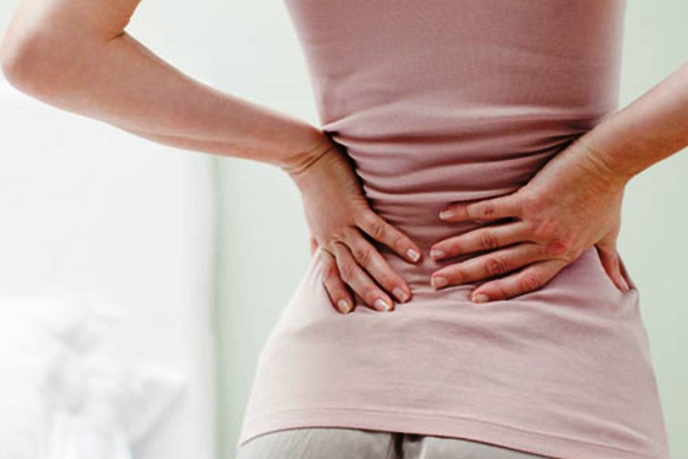Почему после родов болит спина