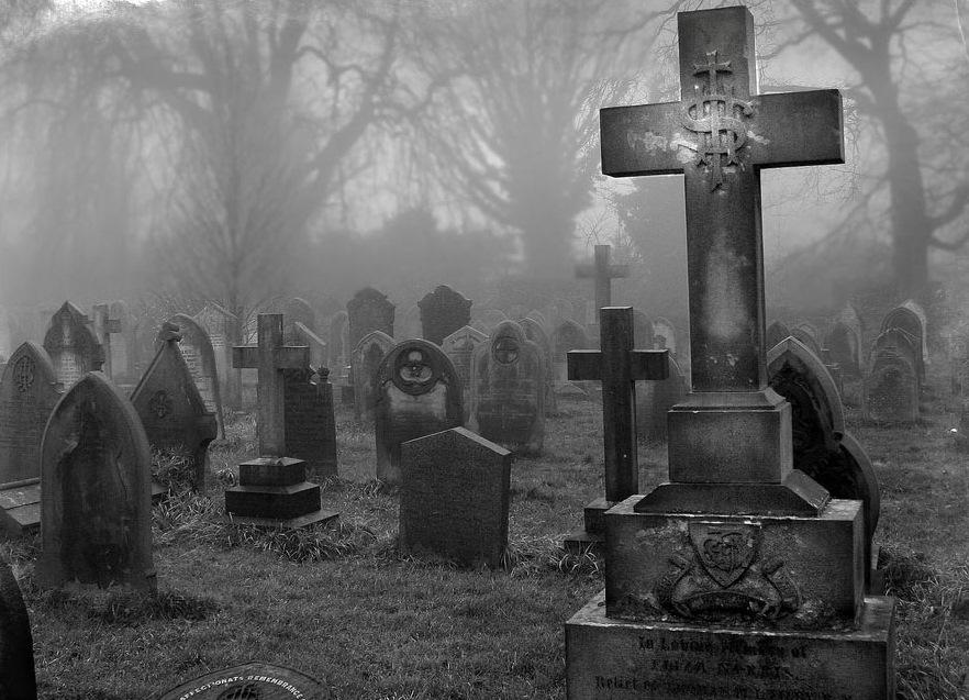Часто встречающийся вопрос: можно ли беременным на похороны? Это суеверие или правда, что беременным нельзя на похороны - Женское мнение