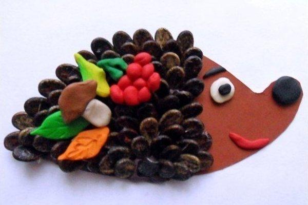 Поделки из арбузных семечек и пластилина - Юлия 44